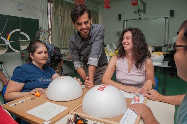 Nicoletta, Manuela e Vincenzo imparano divertendosi con Andreino